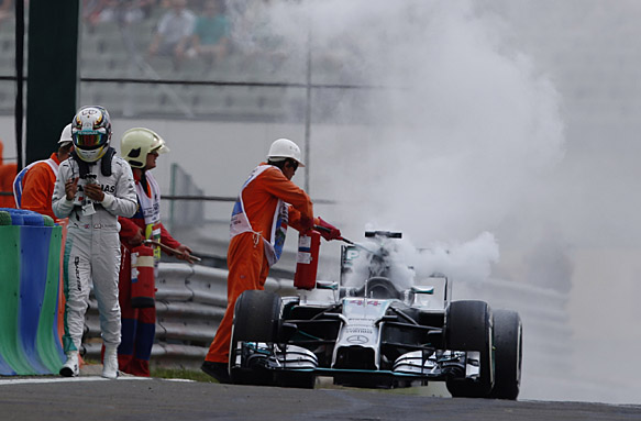 Hungarian GP: Lewis Hamilton out in Q1 after car catches ...